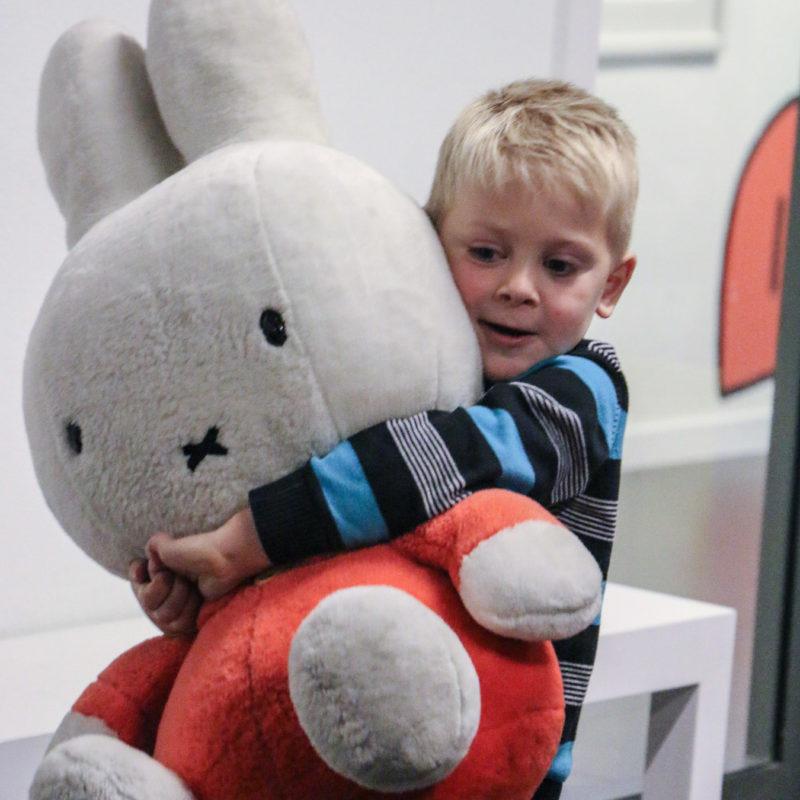 Foto Kind in nijntje museum