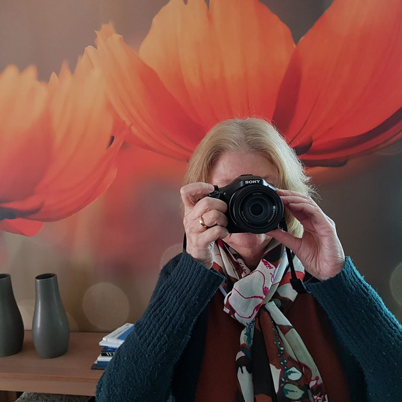 Foto van Thea Boom met haar camera